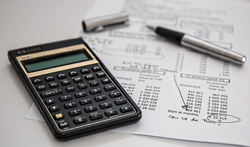 Những khoản thu nhập khác có tính là thu nhập chịu thuế là khoản thu nhập mà không thường phát sinh tại công ty